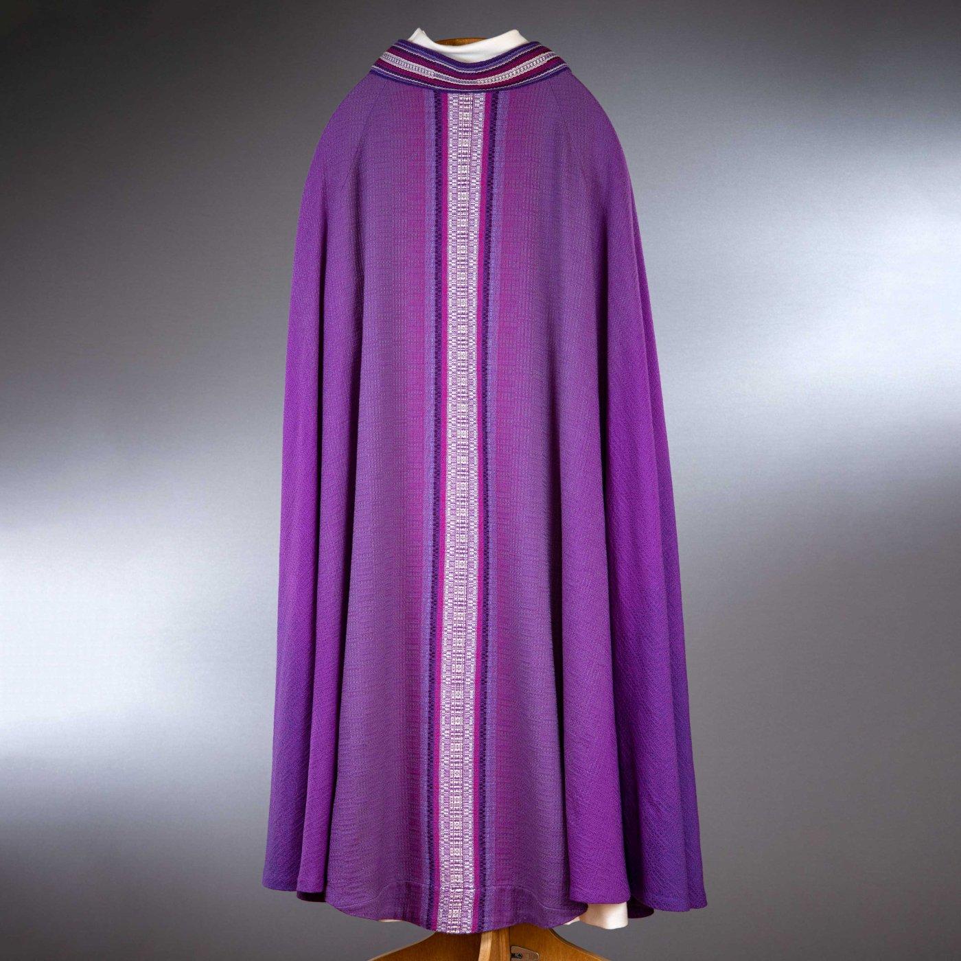 Chape violette tissée main - verso