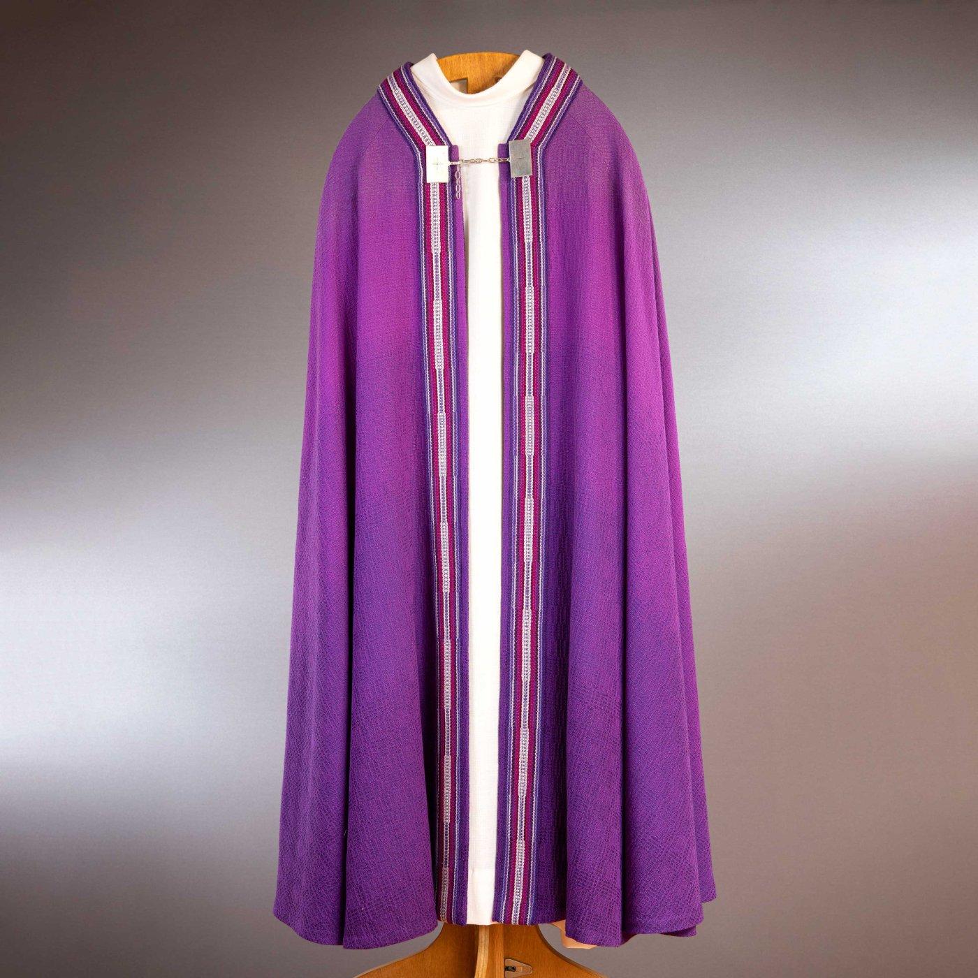 Chape violette tissée main - recto