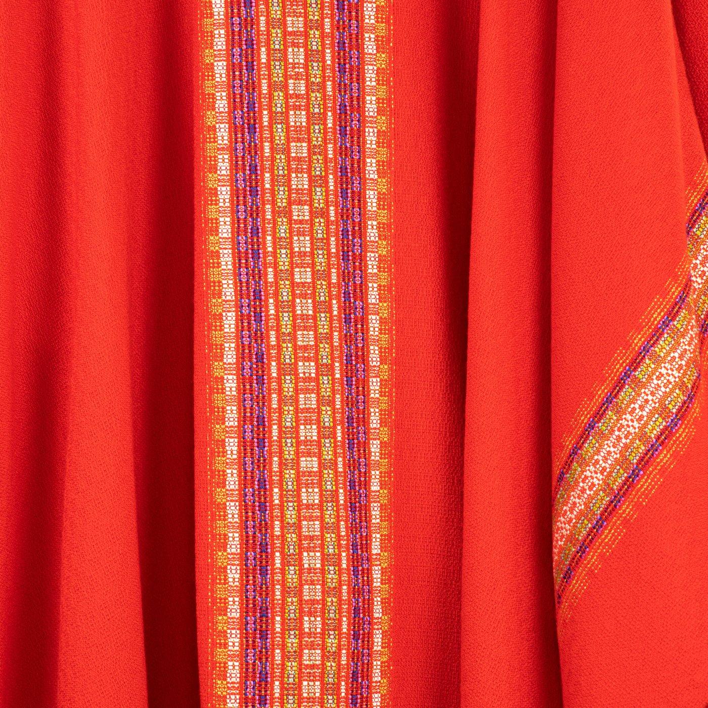 Chasuble rouge - détial du tissage